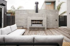 Warkworth Construction is proud to showcase this impressive Hulena Architects designed concrete masonry sto plaster house in Omaha, North of Auckland. Contemporary Outdoor Fireplaces, Modern Outdoor Fireplace, Outdoor Fireplace Designs, Backyard Fireplace, Outdoor Stone, Concrete Fireplace, Backyard Pool Designs, Backyard Patio, Plaster House