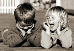 Crianças precisam de ser felizes e não de serem as melhores! Cada criança aprende no seu próprio ritmo, e não devem confundir o estímulo com a pressão...