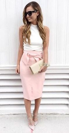 pretty cool valentines day outfit / white top + pink pencil skirt + heels + bag