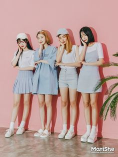 마리쉬♥패션 트렌드북! Korea Fashion, Asian Fashion, Girl Fashion, Fashion Outfits, Fashion Trends, Ulzzang Fashion, Ulzzang Girl, Korean Fashionista, Korean Best Friends