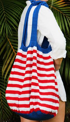 """Free Knitting Pattern for Fourth of July Beach Bag - Finished measurements for this striped tote: Length: 18"""" , Width: 28"""". Designed by Sassy Skein"""