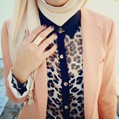 classic dusty pink + leopard + cream = perfect combo // Hijab Close Ups Islamic Fashion, Muslim Fashion, Modest Fashion, Hijab Fashion, Fasion, Hijab Outfit, Hijab Wear, Modest Wear, Modest Outfits