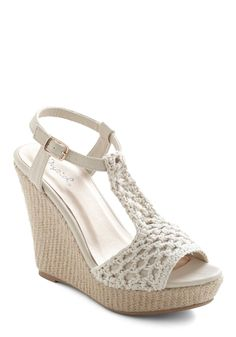 Could these crochet #vegan wedges be ANY cuter? We think not.