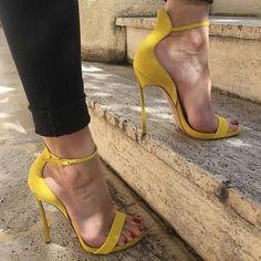 Yellow High Heels, Open Toe High Heels, Pointed Toe Pumps, Feet Soles, Women's Feet, Sexy Sandals, Sexy Heels, Stilettos, Stiletto Heels