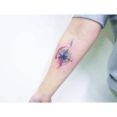 "좋아요 8개, 댓글 1개 - Instagram의 kamangtattoo • 까망타투 디자인 • 수원타투(@kamangink)님: ""compass tattoo . . #kamangtattoo #compasstattoo #watercolortattoo #tattoo #tattoos #tattooartist…"""