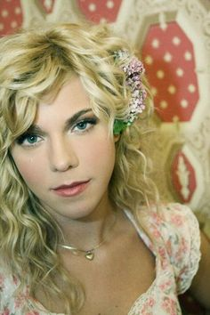I love her style. Kimberly Perry of The Band Perry Pretty People, Beautiful People, Beautiful Ladies, Country Singers, Country Music, Country Girls, The Band Perry, I Love Girls, Love Her Style