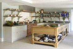 Стильный вид для дачной кухни