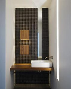 bathroom / vertical slats hufft architecture modern house