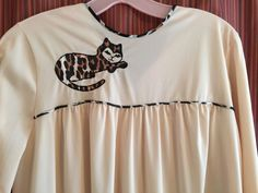 Vintage Nightgown SM Vanity Fair Pajama Size 32 Ladies Nylon Nude Cat  Appliqué   eBay Vintage 8479e888e504