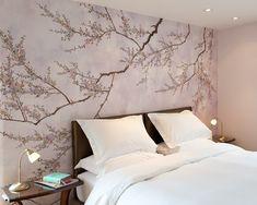 schlafzimmer mit tapeten bett kofpteil und kirschenblten in rosa farben - Tapetenmuster Schlafzimmer