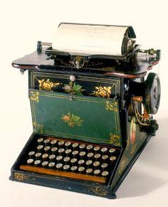 antique typewriters pinterest   Vintage Typewriters / sholes   ..rh