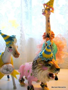 Seashore Days: Step Right Up....  hand painted circus animals from Etsy