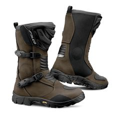 """Full-grain oil-treated leather upper and """"High-Tex"""" membrane. Contoured P.U. moulded shin plate. """"D3O"""" material ankle cups. Micro-adjustable"""