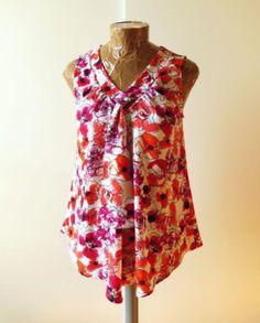 Patron New Look 6213 - Modèle 20 du Tendances Couture n°17 - Top fluide en crêpe rose et orange / corail