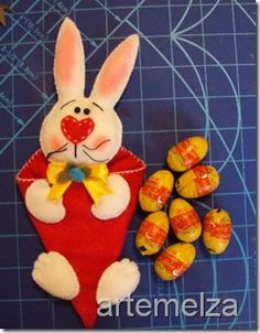 Felt - the Easter Bunny Cone Chocolates, Easter Bunny, Easter Eggs, Rose Cookies, Felt Crafts, Stitch Patterns, Rabbit, Candy, Dolls