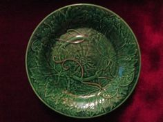 Antique 19th C. Green WEDGEWOOD Majolica Plate, Leaf Pattern