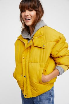 Cold Rush Puffer Coat   Stay cozy in this classic slouhcy puffer coat with a drawstring closure in back.    * Hip pockets   * Button and zip closures   * Lined
