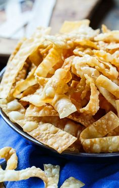 Fried Wonton Strips - only 2 ingredients needed! Wonton Strips, 2 Ingredients, Fries, Meals, Recipes, Food, Power Supply Meals, Meal, Eten