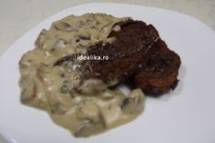 Friptura de vita cu ciuperci in sos de piper este un preparat impresionant, deosebit de gustos si rafinat. Nu este iute, piperul da o aroma unica catifelata Steak, Beef, Chicken, Food, Youtube, Roast, Meat, Essen, Steaks