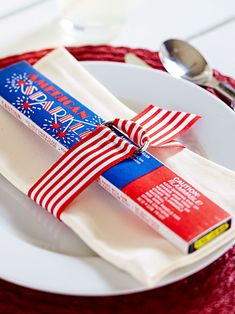 Decorate your home in the spirit of Independence Day with our red, white, and blue 4th of July decorations. These easy decorations cover every July 4th theme you can think of—including flags and fireworks—and they're cute to boot. #redwhiteandblue #4thofjuly #4thofjulyparty #partyideas #4thofjulydecorations #bhg 4th Of July Celebration, 4th Of July Party, Fourth Of July, Blue Table Settings, Summer Parties, Holiday Parties, Holiday Ideas, Holiday Games, Holiday Fun