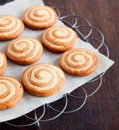 Piparikierteet Sweet Desserts, No Bake Desserts, Finnish Recipes, Very Merry Christmas, Christmas Stuff, No Bake Cookies, Baking Cookies, Crafts Beautiful, Cake Pops