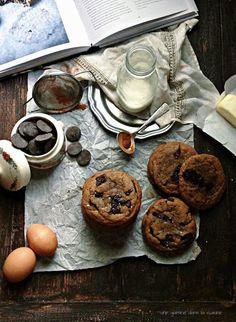 best {cinnamon} chocolate chip cookies from Izy Hossack's Top with Cinnamon cookbook | une gamine dans la cuisine