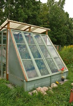 Diy Greenhouse Plans, Backyard Greenhouse, Small Greenhouse, Backyard Patio, Glass House Garden, Allotment Gardening, Cold Frame, Beach Gardens, My Secret Garden