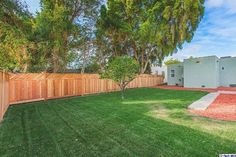 See this home on @Redfin! 3520 West 59th St, Los Angeles, CA 90043 (MLS #316000110) #FoundOnRedfin