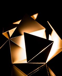 Interactive Origami Lamp designed by Thomas Hick @foldinglamp