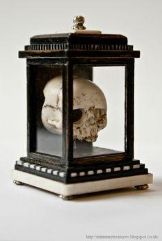 Miniature Treasures: Memento Mori Skull.