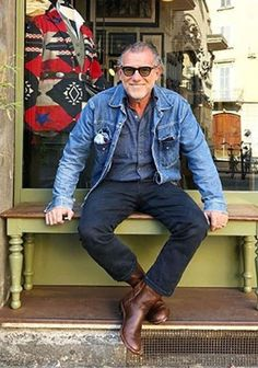 Clothes For Men Over 50, Fashion For Men Over 50, Older Mens Fashion, Mr Style, Denim Jacket Men, Well Dressed Men, Gentleman Style, Smart Casual, Daily Fashion