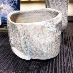 穂高隆児さんの新作塩釉茶盌茶碗以外の塩釉作品もあります穂高隆児個展Grand Bleu明日10月1日から #織部 #織部下北沢店 #陶器 #器 #ceramics #pottery #clay #craft #handmade #oribe #tableware #porcelain