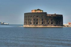 """Fort """"The Emperor Alexander I"""", Russia. Fort was built in 1838-45 years. It was built in the form of """"Bob"""" size 90x60 feet, has four tiers of combat, to whom can accommodate 137 guns, and adapted to conduct all-round defense. Fort has never participated in combat operations, but made a big impression on the Admiral's squadron commander of the Allied Nepira during the Crimean War."""