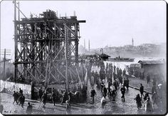 Galata Köprüsü İnşaatı / 1912 Old Pictures, Old Photos, Ottoman Empire, Historical Pictures, Istanbul Turkey, Best Cities, Once Upon A Time, Latina, Landscape
