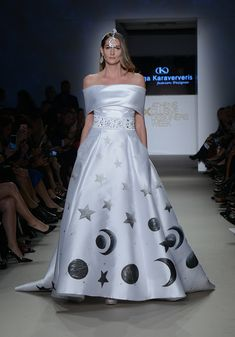 Strapless Dress Formal, Formal Dresses, Ball Gowns, Fashion, Dresses For Formal, Ballroom Gowns, Moda, Formal Gowns, Ball Gown Dresses