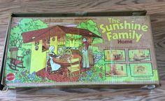 1973 MATTEL THE SUNSHINE FAMILY HOME Family Doll House In Original Box