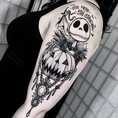Halloween Tattoo designs considered as attractive tattoo. Ink your self with Festive tattoo Pumpkin Tattoos and many more on halloween day. Future Tattoos, Love Tattoos, Beautiful Tattoos, Body Art Tattoos, Pretty Tattoos, Tattoos Skull, Feminine Tattoos, Kunst Tattoos, Tattoo Drawings