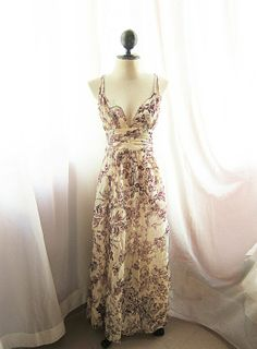 Gorgeous garden dress. You know...for all of those tea parties that I go to.