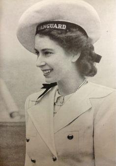 vintage-royalty: Princess Elizabeth in Africa, 1947 (click for larger)