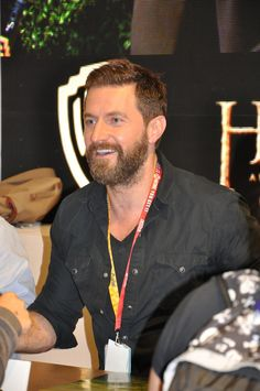 Richard Armitage is happy I'm standing in front of him <3 He's so sweet ;)