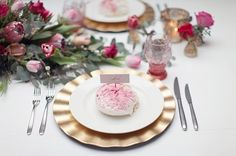 Add a little something sweet to greet your guests ;) Wedding shower / sponsored post on SMP. Photography by Craig & Eva Sanders.