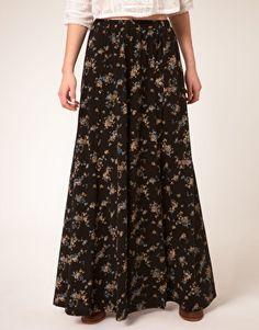 zoe tee's floral long skirt