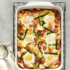 Ham-Asparagus and Cheese Strata 8 oz asparagus spears, cut into 2-in pieces 5 cups French bread cubes 2 cups shredded Gruyere or white cheddar cheese 1/2 cup chopped onion 1/4 cup chopped chives or green onions 8 ounces cooked ham, diced 10 eggs 1 1/2 cups milk