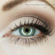 Give your green eyes a little boost with a neutral eyeshadow for an everyday, natural look.