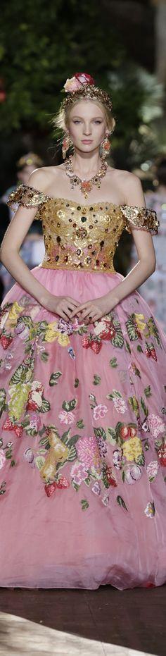 Dolce & Gabbana Alta Moda Fall 2015 couture Potofino
