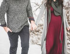 I absolutely love the color pallet chosen for this shoot. I absolutely love the color pallet chosen for this shoot. Maternity Photo Outfits, Maternity Fashion, Maternity Pics, Maternity Clothing, Pregnancy Outfits, Maternity Dresses, Winter Maternity Pictures, Winter Pregnancy Photos, Winter Maternity Photography
