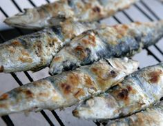 Did you know that the trick for the perfect grilled sardines, besides the freshness of the fish, is the distance to the embers when grilling the fish? Sardines must be placed at a distance of 10 cm to the charcoal ashes.  Photo source: bit.ly/1mx7ZNd