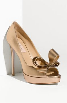 Valentino Bow Trim Platform Pump in Bronze