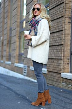 fall style // oversized sweater, plaid scarf, booties