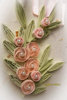 Quilling Flowers Tutorial, Paper Quilling Flowers, Paper Quilling Patterns, Paper Quilling Jewelry, Quilled Paper Art, Quilling Paper Craft, Quilling Cards, Flower Tutorial, Arte Quilling